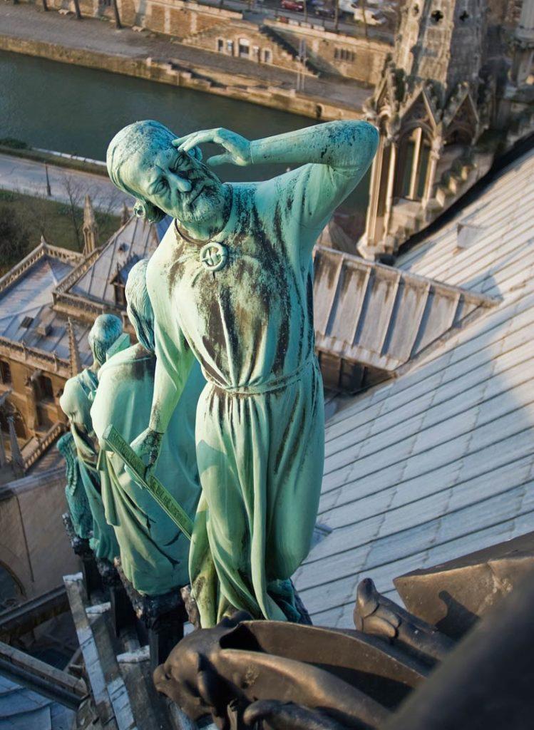 Statue Violet Le Duc - Notre-Dame © Photo Bruno Cabanis - Association Horloge Notre-Dame